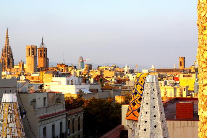 Barcelona - Gaudi L_01