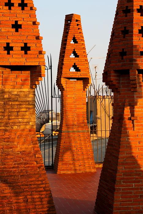 Barcelona Gaudi L_111
