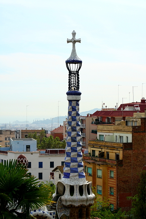Barcelona - Gaudi L_13