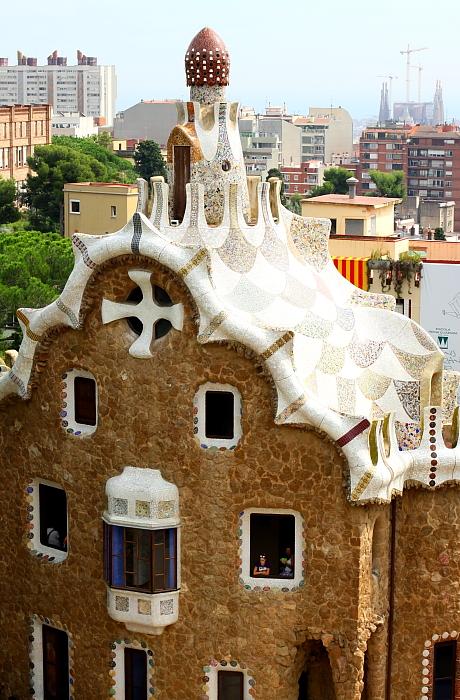 Barcelona - Gaudi L_16