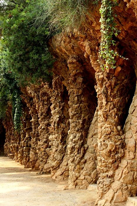 Barcelona - Gaudi L_18