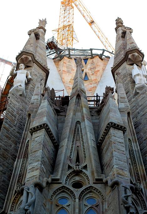Barcelona - Gaudi L_23