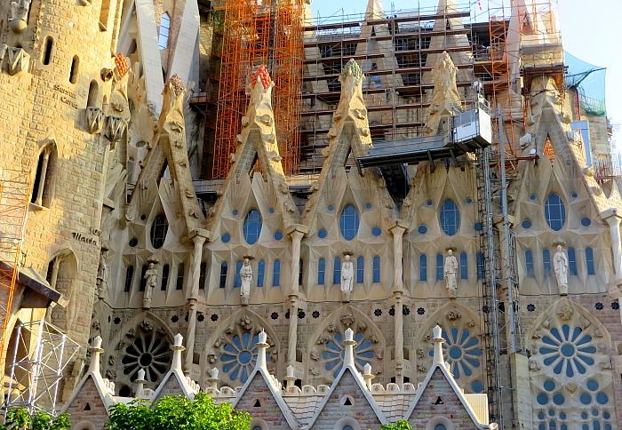 Barcelona - Gaudi L_29