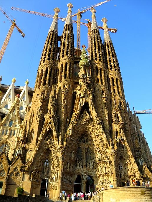 Barcelona - Gaudi L_30