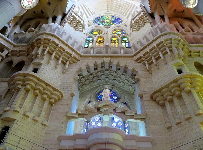 Barcelona - Gaudi L_33