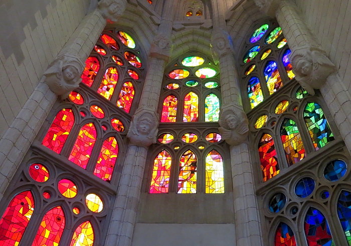 Barcelona - Gaudi L_43