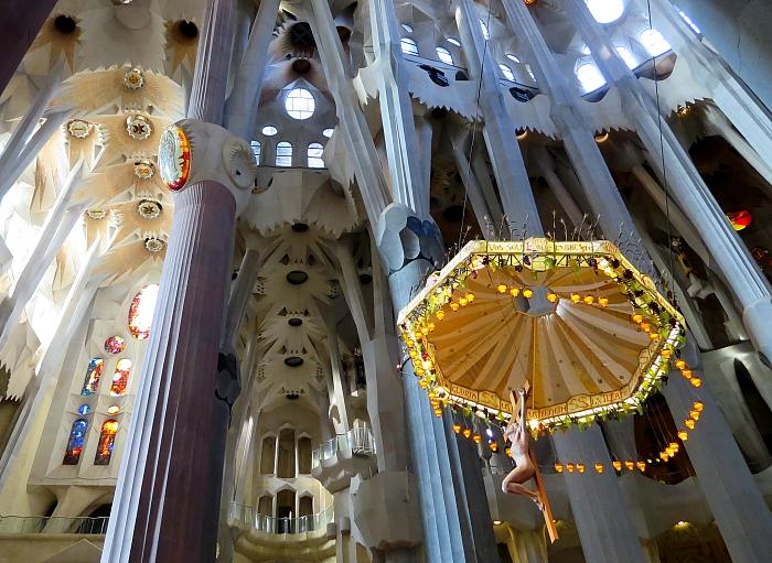 Barcelona - Gaudi L_47