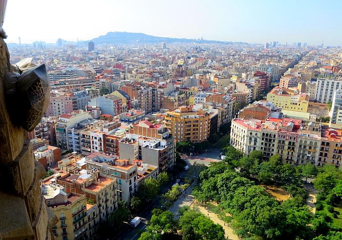 Barcelona - Gaudi L_48