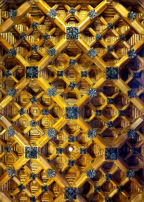 Barcelona - Gaudi L_68