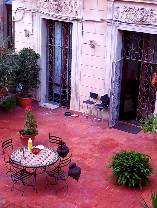 Barcelona - Gaudi L_75