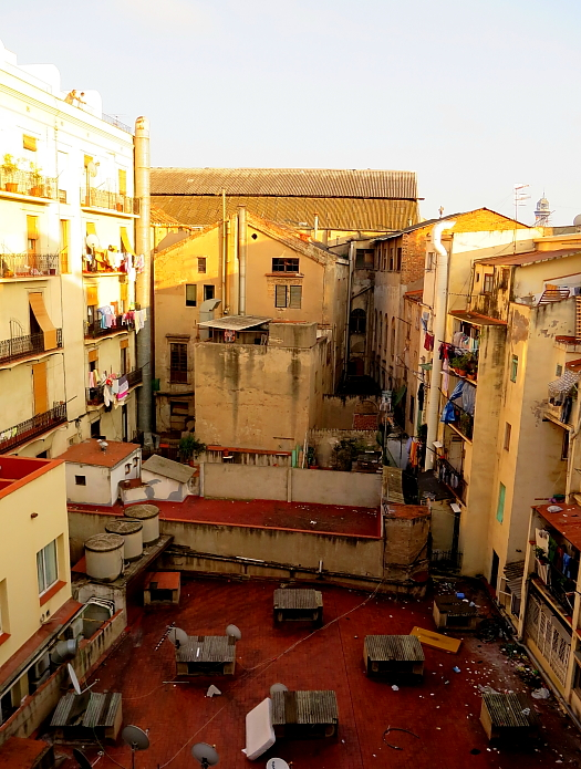 Barcelona - Gaudi L_76