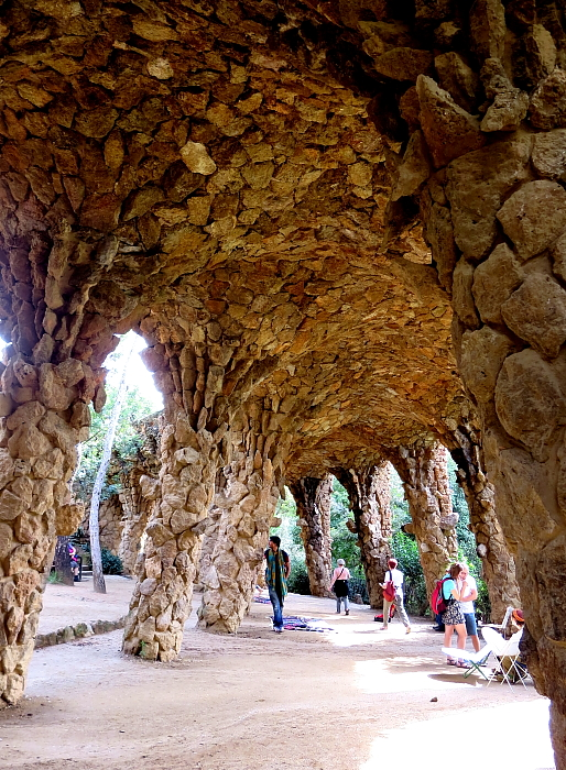 Barcelona - Gaudi L_79