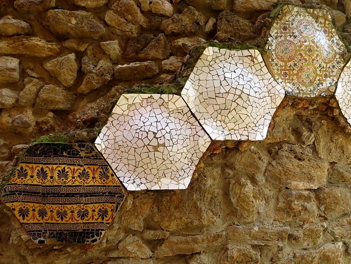 Barcelona - Gaudi L_81