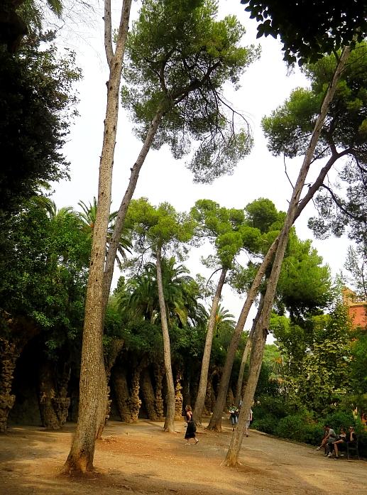 Barcelona - Gaudi L_90