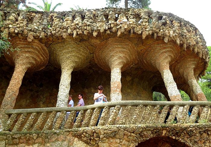 Barcelona - Gaudi L_91