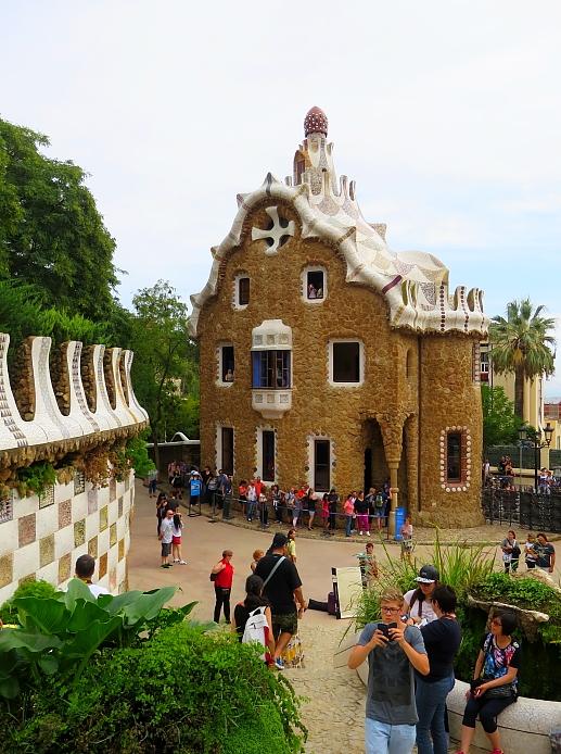 Barcelona - Gaudi L_93