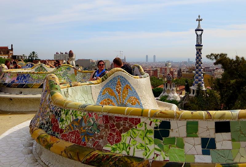Barcelona - Gaudi L_99