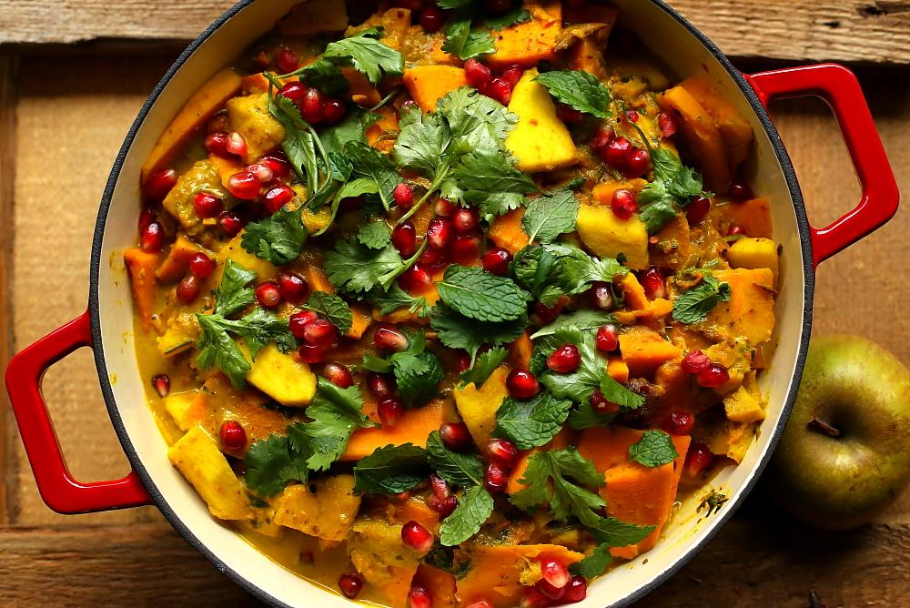 Curry z jabłek i batatów