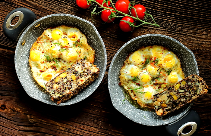 Jajka przepiorcze zapiekane w oliwie