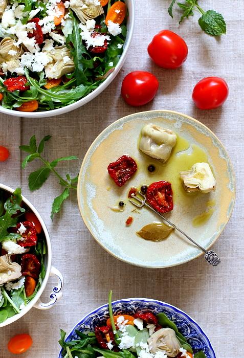Sałatka z portulaki, karczochów i suszonych pomidorów