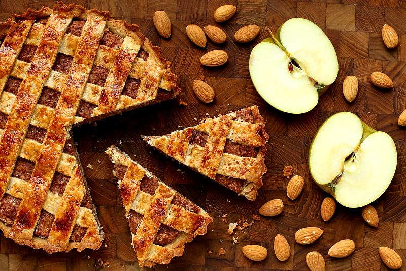Tarta jabłkowo-migdałowa