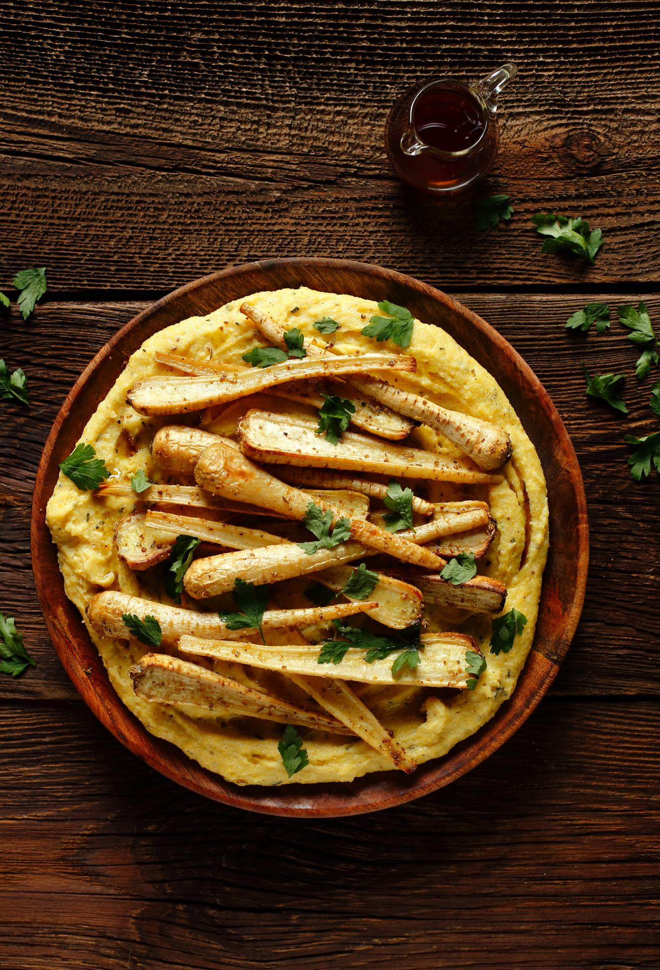 Pieczone pietruszki z polentą