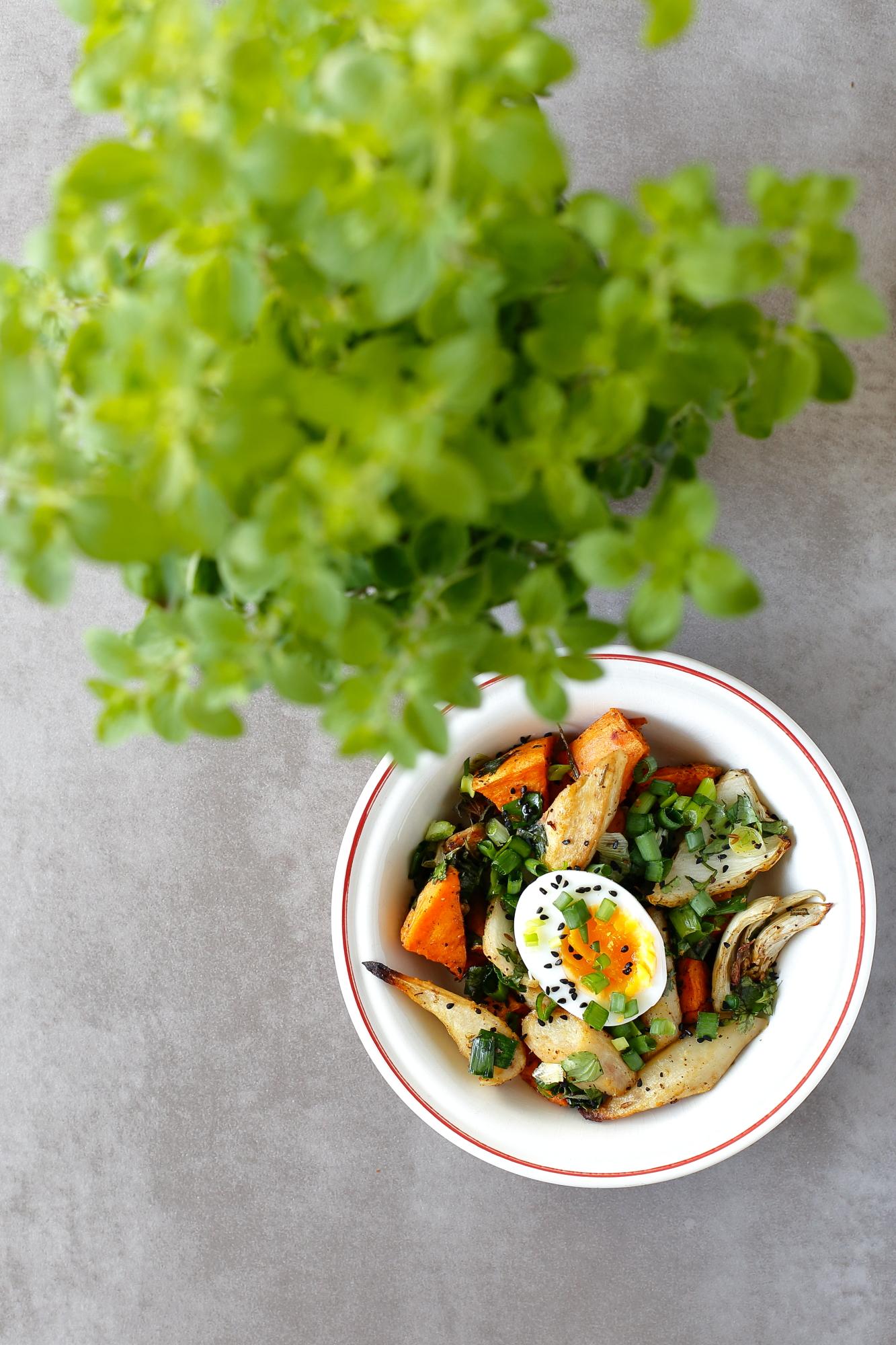 Pieczone warzywa z jajkiem