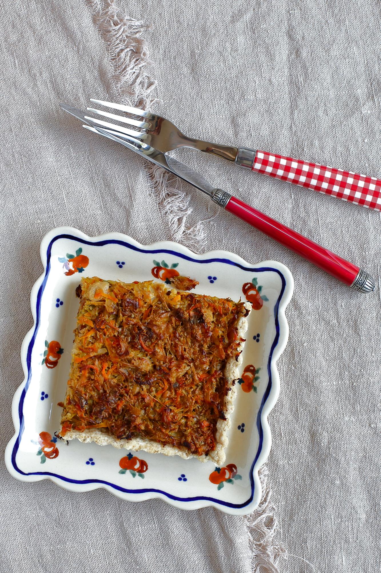 Tarta warzywna z brukselką i marchewką