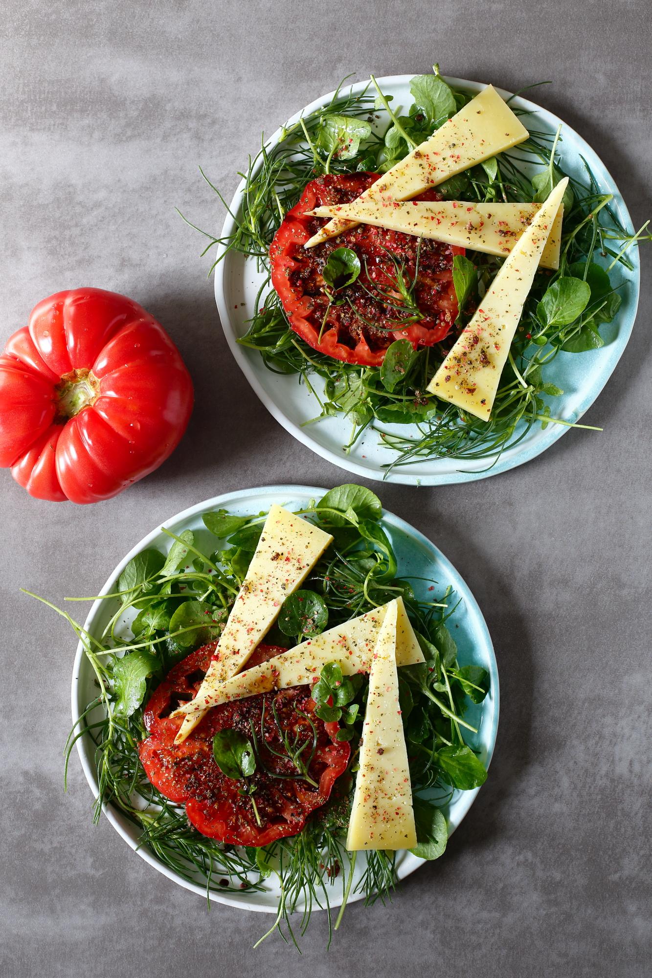 Sałatka z solanki i pomidora