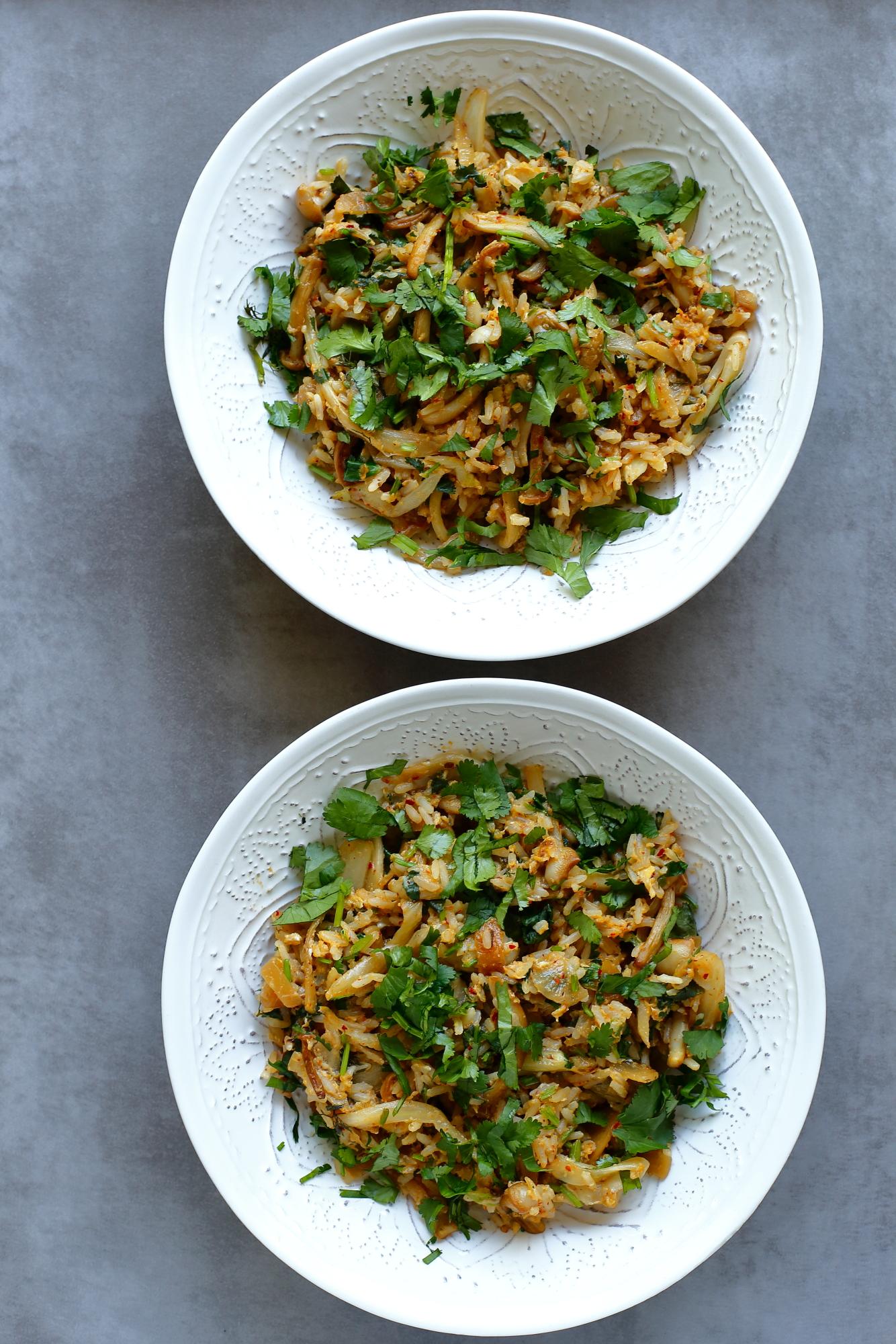 Smażony ryż z jajkiem i kimchi