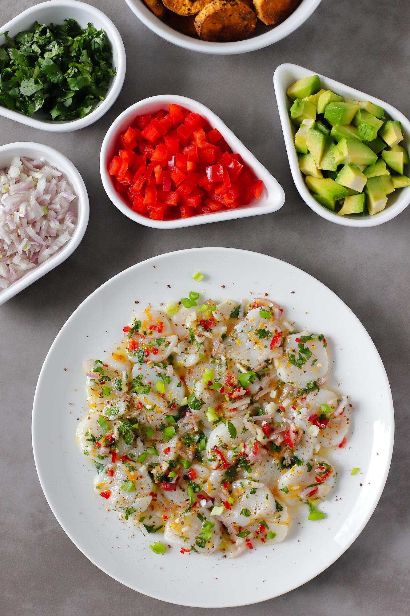 Ceviche z przegrzebków - genialna przystawka z owoców morza