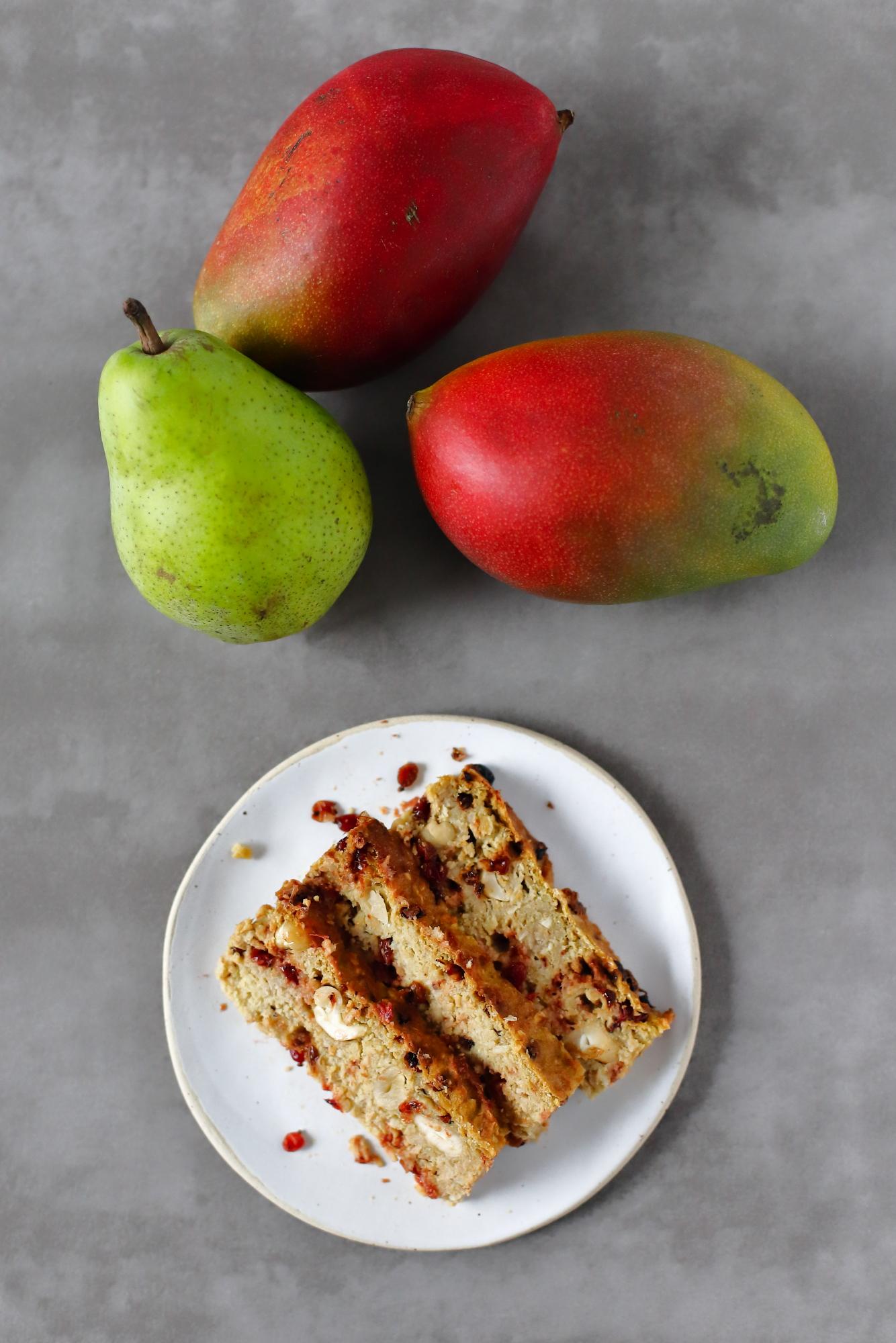 Pieczona owsianka słodzona mango