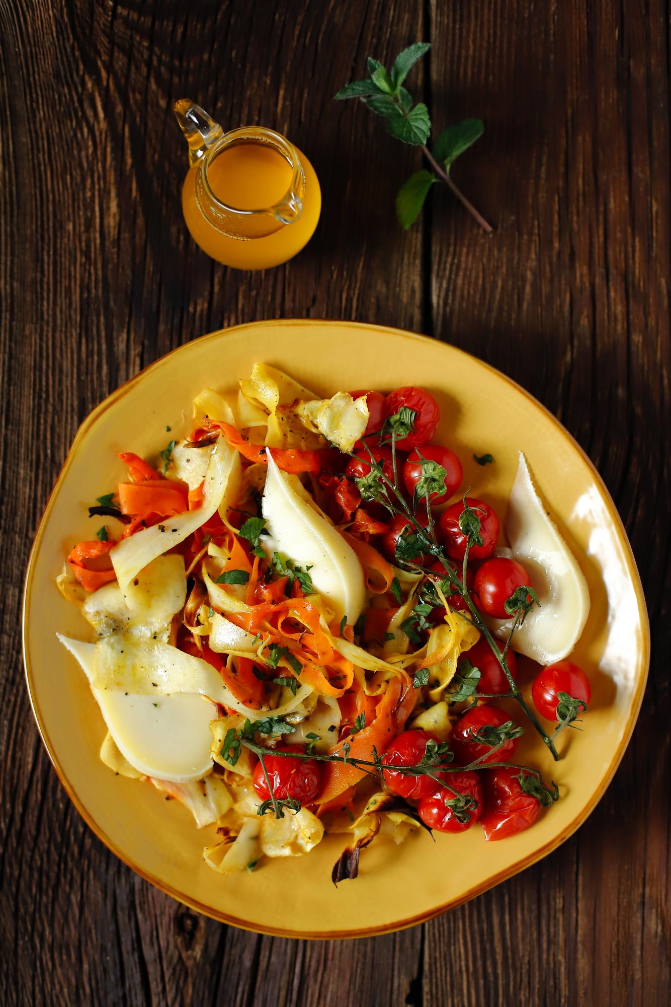 Tetilla z pieczonymi warzywami