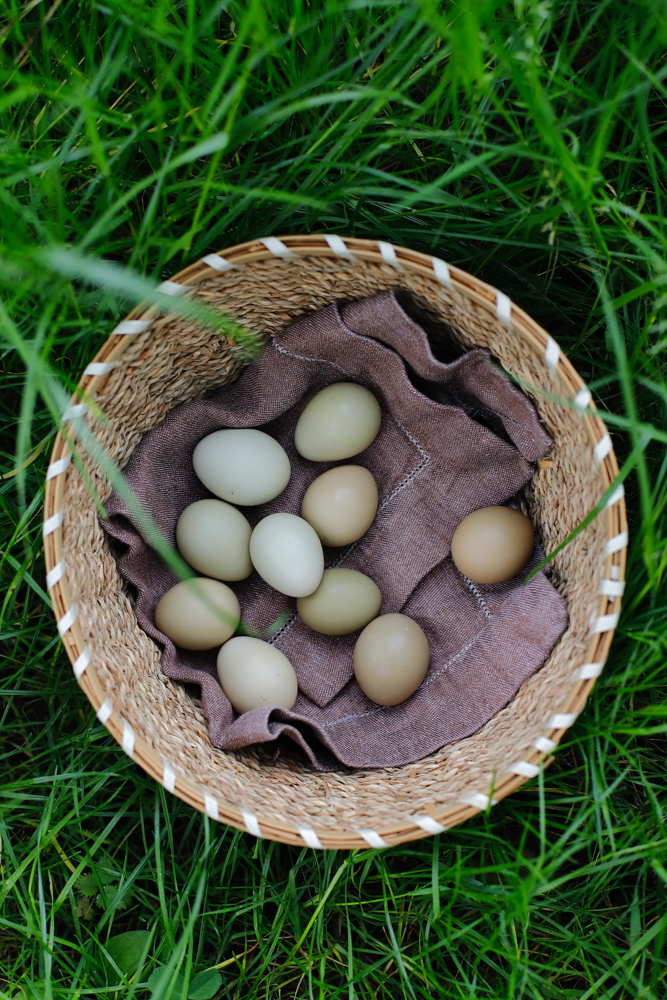Ziemniaki ze szparagami z jajami bażanta