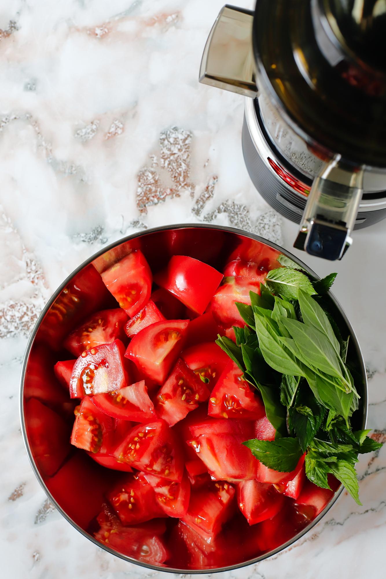 Pieczone kwiaty cukinii z ryżem pomidorowym