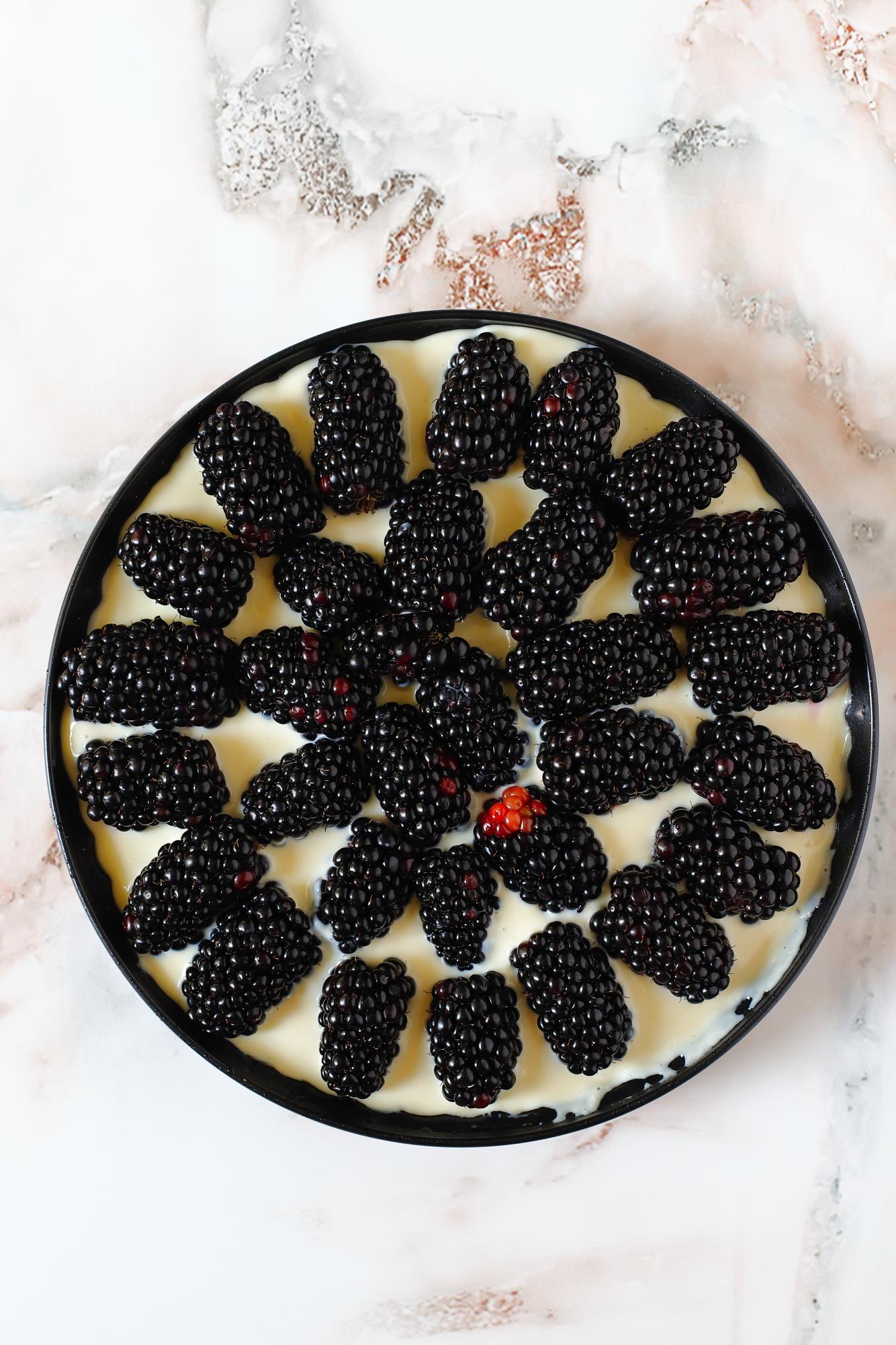 Ciasto z jeżynami na oliwie
